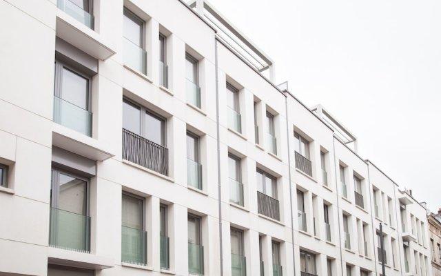 Апартаменты Sweet Inn Apartments Major Rene Dubreucq вид на фасад