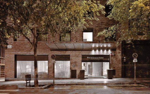 Pol & Grace Hotel вид на фасад