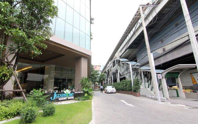 Отель Jasmine Resort Бангкок вид на фасад