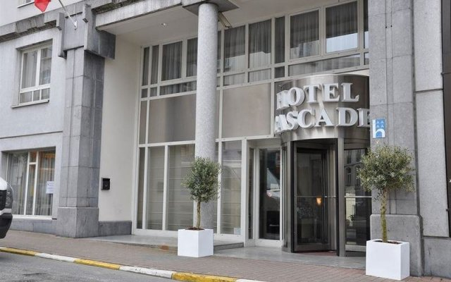 Отель Hilton Garden Inn Brussels City Centre вид на фасад