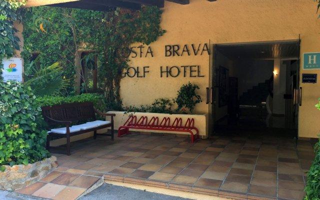Отель Golf Costa Brava вид на фасад