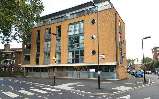 Апартаменты London City Luxury Apartments вид на фасад