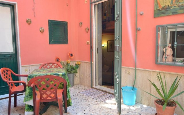 Отель Casa Bacchilide Сиракуза вид на фасад