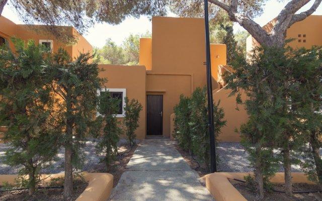 Отель AzuLine Club Cala Martina Ibiza - All Inclusive вид на фасад