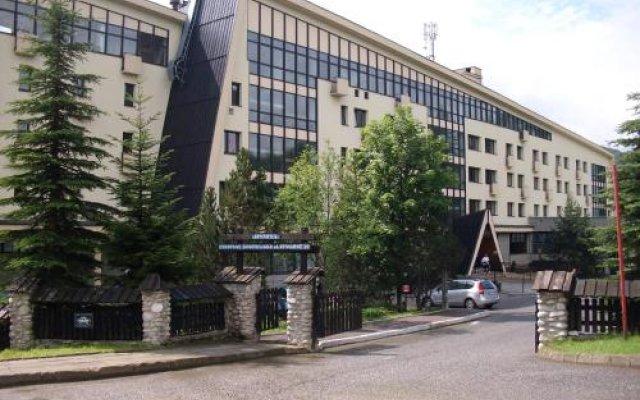 Отель Siwarna. Ośrodek Wypoczynkowy Natura Tour Sp. Z O.o. Косцелиско вид на фасад
