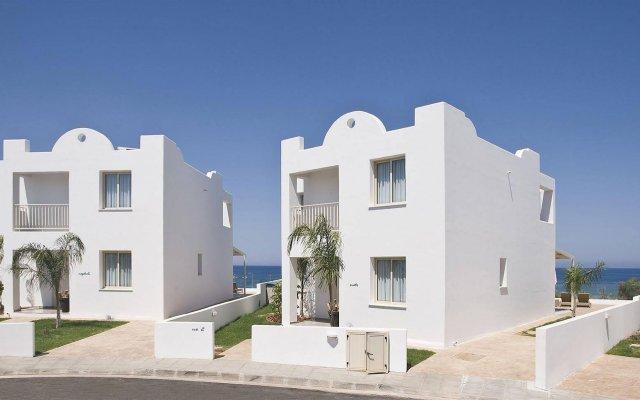 Отель Louis Althea Kalamies Villas Протарас вид на фасад