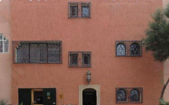 Отель Appart Khris Palace Марокко, Уарзазат - отзывы, цены и фото номеров - забронировать отель Appart Khris Palace онлайн вид на фасад