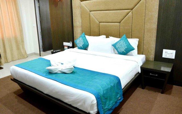 Отель OYO Premium Alankar Circle комната для гостей