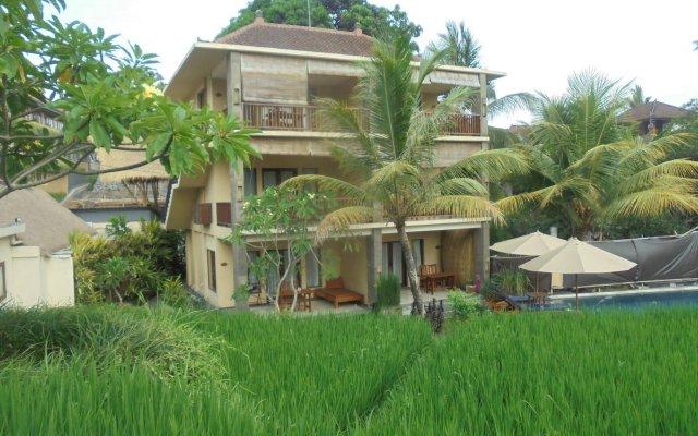 Отель Biyukukung Suite & Spa вид на фасад