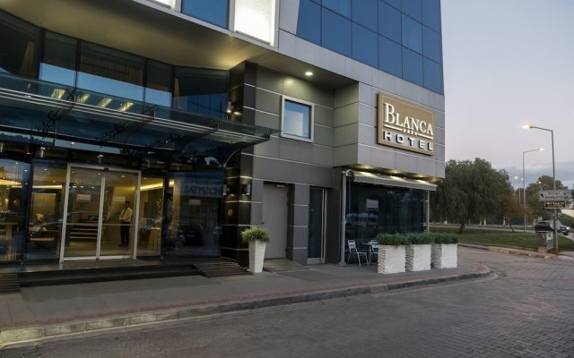 Blanca Hotel вид на фасад