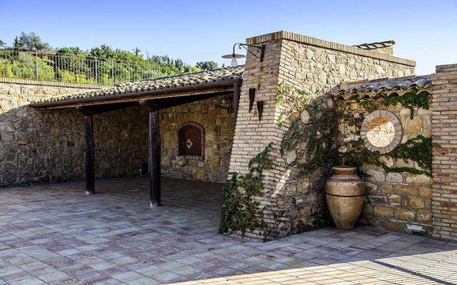 Отель Agriturismo Salemi Италия, Пьяцца-Армерина - отзывы, цены и фото номеров - забронировать отель Agriturismo Salemi онлайн вид на фасад