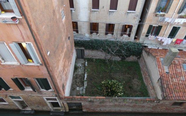 Отель La Forcola Италия, Венеция - 5 отзывов об отеле, цены и фото номеров - забронировать отель La Forcola онлайн вид на фасад