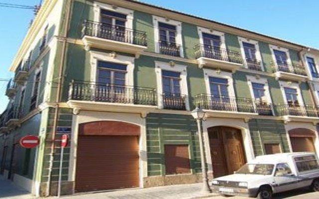 Отель Living Puerto Валенсия вид на фасад