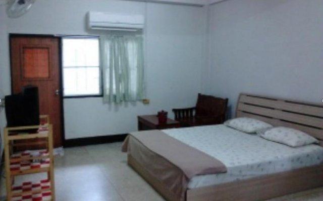 Апартаменты Nanthawan Apartment комната для гостей