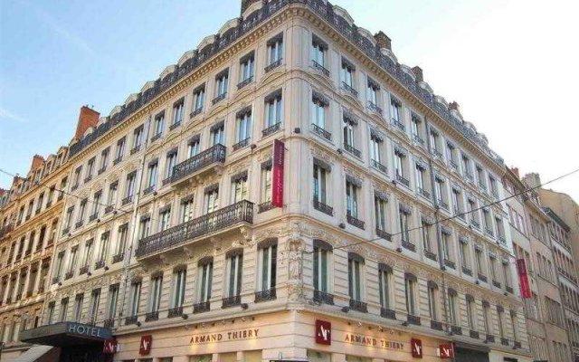 Отель Mercure Lyon Centre Beaux Arts Франция, Лион - отзывы, цены и фото номеров - забронировать отель Mercure Lyon Centre Beaux Arts онлайн вид на фасад