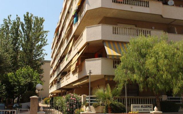 Отель Albeniz – Mediterranean Way Испания, Ла Пинеда - отзывы, цены и фото номеров - забронировать отель Albeniz – Mediterranean Way онлайн вид на фасад