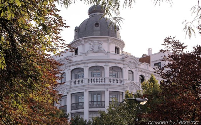 Отель Petit Palace Savoy Alfonso XII вид на фасад