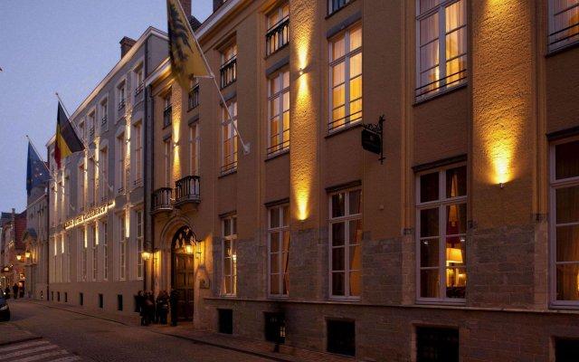 Отель Grand Casselbergh Брюгге вид на фасад