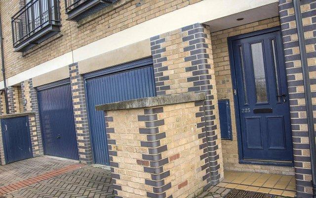 Отель Base Serviced Apartments - The Docks Великобритания, Ливерпуль - отзывы, цены и фото номеров - забронировать отель Base Serviced Apartments - The Docks онлайн вид на фасад