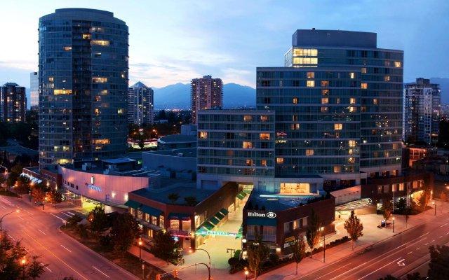 Отель Hilton Vancouver Metrotown Канада, Бурнаби - отзывы, цены и фото номеров - забронировать отель Hilton Vancouver Metrotown онлайн вид на фасад