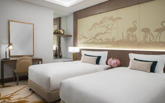 Al Jaddaf Rotana Suite Hotel 0