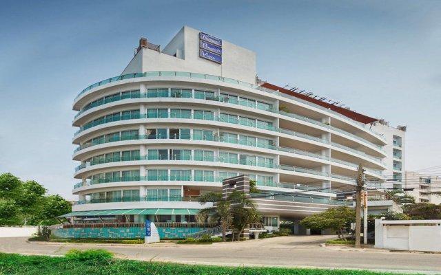 Отель Royal Beach View Suites Паттайя вид на фасад