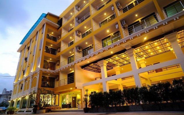 Ansino Bukit Hotel вид на фасад