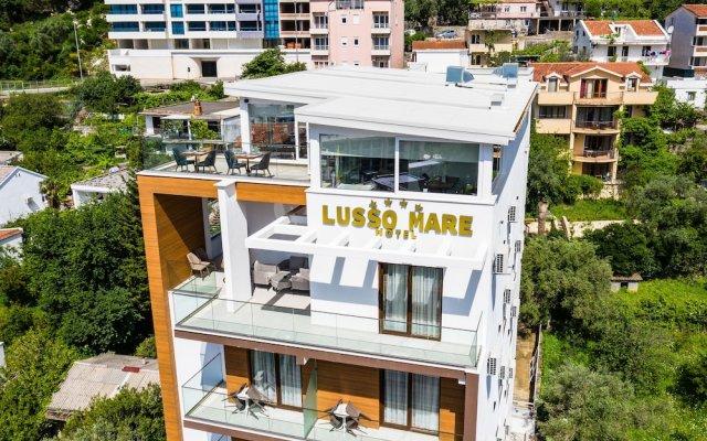 Отель Lusso Mare Черногория, Будва - отзывы, цены и фото номеров - забронировать отель Lusso Mare онлайн вид на фасад