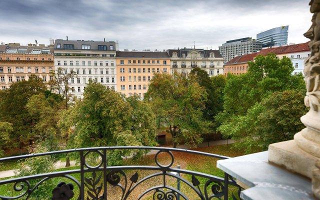 Отель K+K Palais Hotel Австрия, Вена - 9 отзывов об отеле, цены и фото номеров - забронировать отель K+K Palais Hotel онлайн балкон