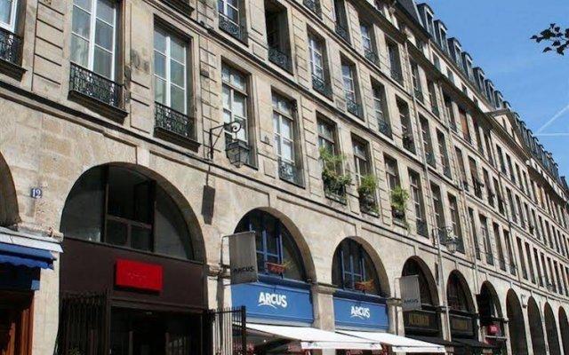 Апартаменты My Apartment in Paris Louvre вид на фасад