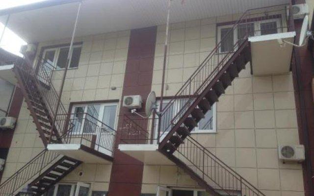 Гостиница Christina Guest House в Ольгинке отзывы, цены и фото номеров - забронировать гостиницу Christina Guest House онлайн Ольгинка вид на фасад