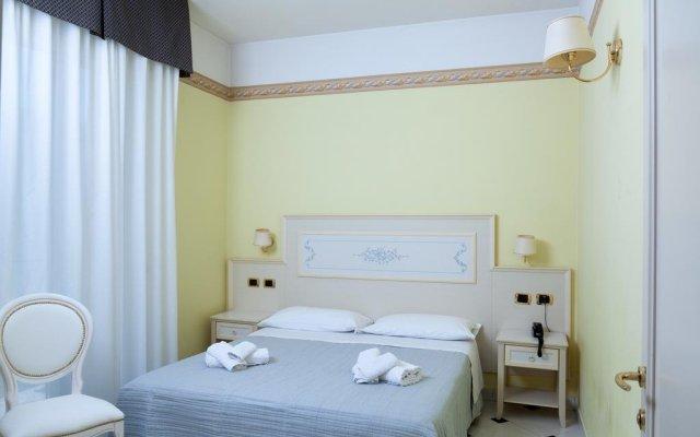 Отель Residence Record Римини комната для гостей
