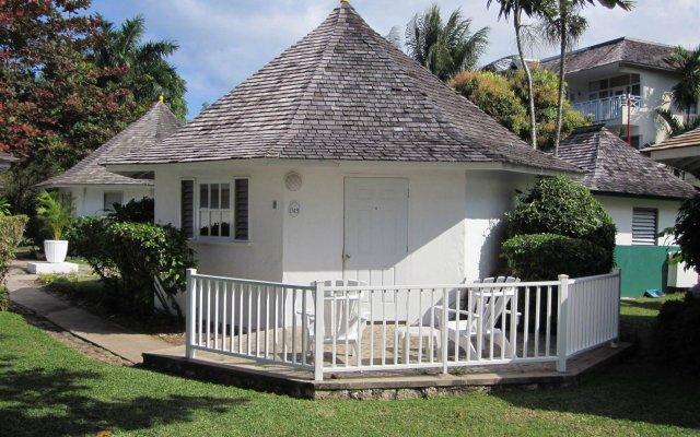 Отель Royal Decameron Club Caribbean Resort - ALL INCLUSIVE Ямайка, Монастырь - отзывы, цены и фото номеров - забронировать отель Royal Decameron Club Caribbean Resort - ALL INCLUSIVE онлайн вид на фасад