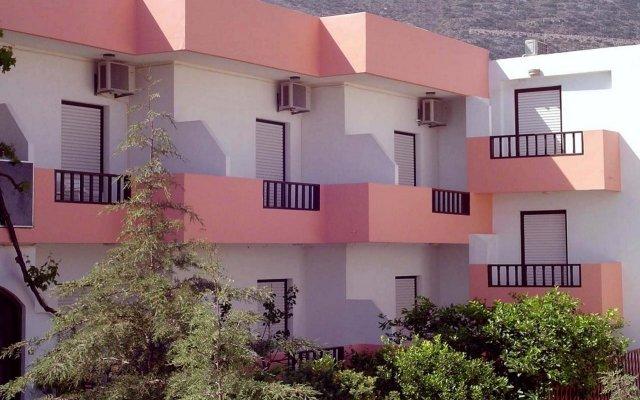 Отель Thisvi вид на фасад