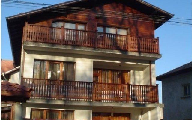 Отель Villa Vera Guest House Банско вид на фасад
