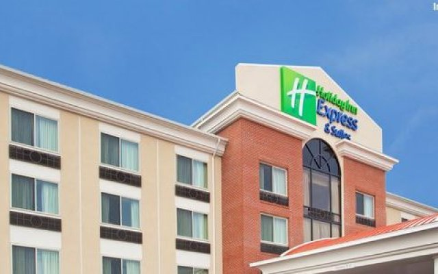 Holiday Inn Express Hotel & Suites Niagara Falls, an IHG Hotel