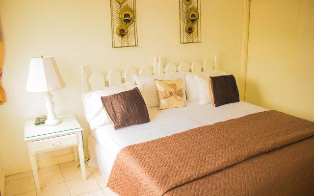Отель Beach Shores at Turtle Tower комната для гостей