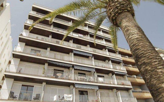 Отель Apartamentos Zodiac Испания, Льорет-де-Мар - отзывы, цены и фото номеров - забронировать отель Apartamentos Zodiac онлайн вид на фасад