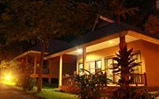 Отель Tonsai Bay Resort вид на фасад