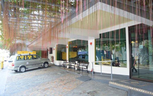 Отель Franchise One Hotel Филиппины, Макати - отзывы, цены и фото номеров - забронировать отель Franchise One Hotel онлайн вид на фасад