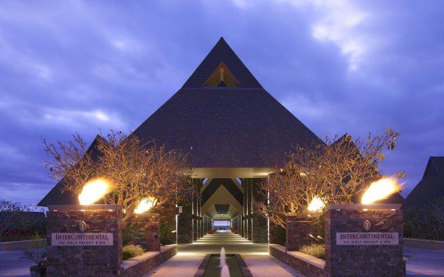 Отель Intercontinental Fiji Golf Resort & Spa Вити-Леву вид на фасад