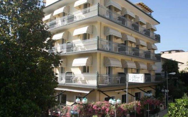 Отель Albergo Vittoria Римини вид на фасад