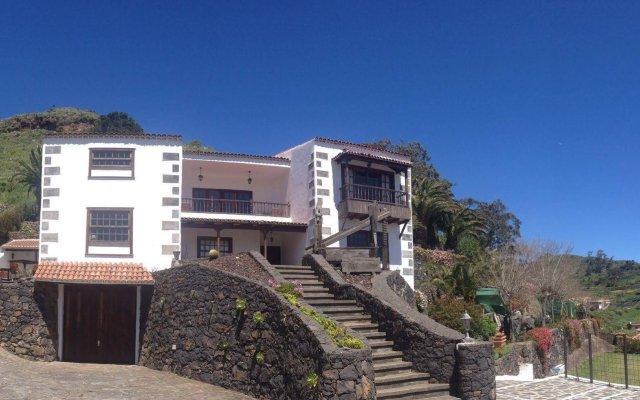 Отель Finca Los Geranios вид на фасад