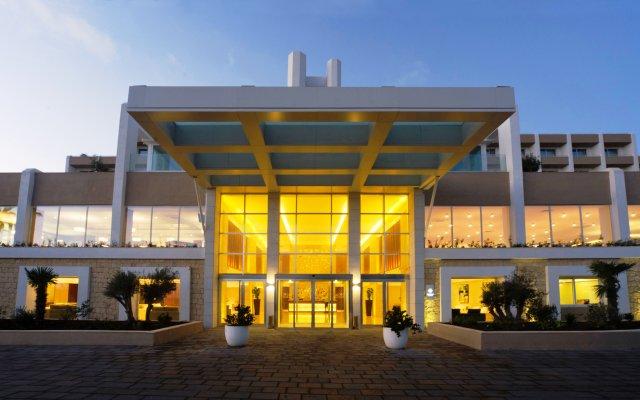 Отель Salini Resort вид на фасад
