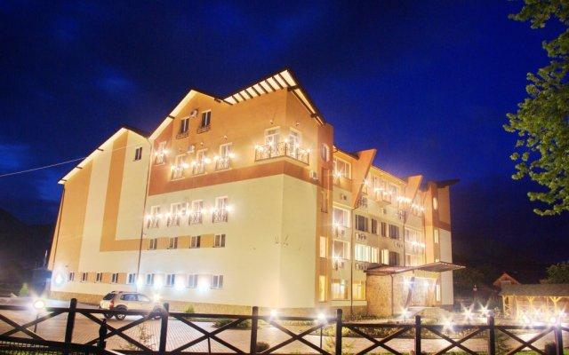 Гостиница Гостинично-оздоровительный комплекс Живая вода вид на фасад
