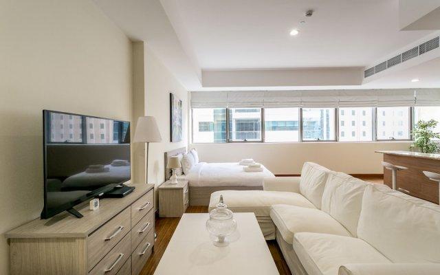 Апартаменты One Perfect Stay - Studio at Al Murad комната для гостей