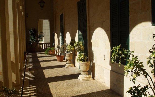 Отель Palazzo Capua Мальта, Слима - отзывы, цены и фото номеров - забронировать отель Palazzo Capua онлайн вид на фасад