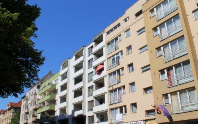 Отель Apartmenthaus Sybille Hecke Германия, Берлин - 1 отзыв об отеле, цены и фото номеров - забронировать отель Apartmenthaus Sybille Hecke онлайн вид на фасад