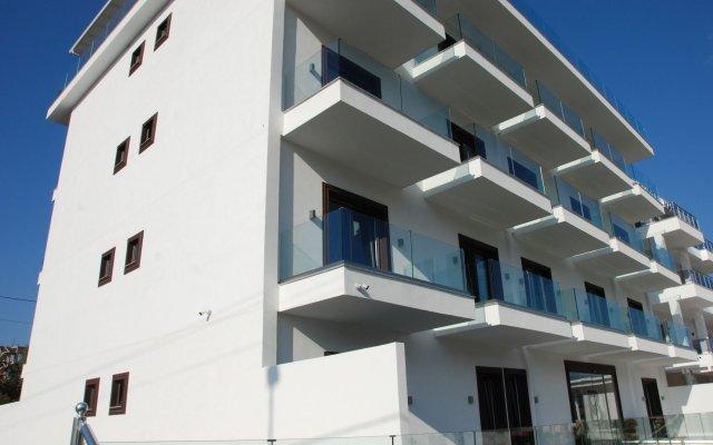 Отель Bianco Hotel Албания, Ксамил - отзывы, цены и фото номеров - забронировать отель Bianco Hotel онлайн вид на фасад