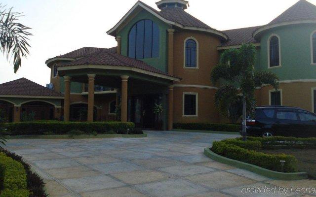 Отель Milbrooks Resort Ямайка, Монтего-Бей - отзывы, цены и фото номеров - забронировать отель Milbrooks Resort онлайн вид на фасад